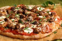 dieticheskaya_pizza_s_myasnymi_sharikami