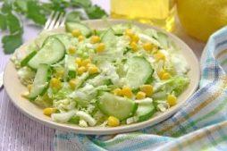 salat_s_ogurecami_kukuruzoy_i_kapustoy